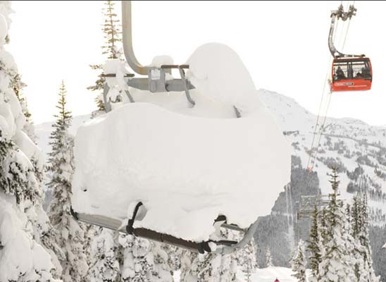 Heavy Snowfall Hammers Whistler Blackcomb. Photo: Ian Robertson www.coastphoto.com