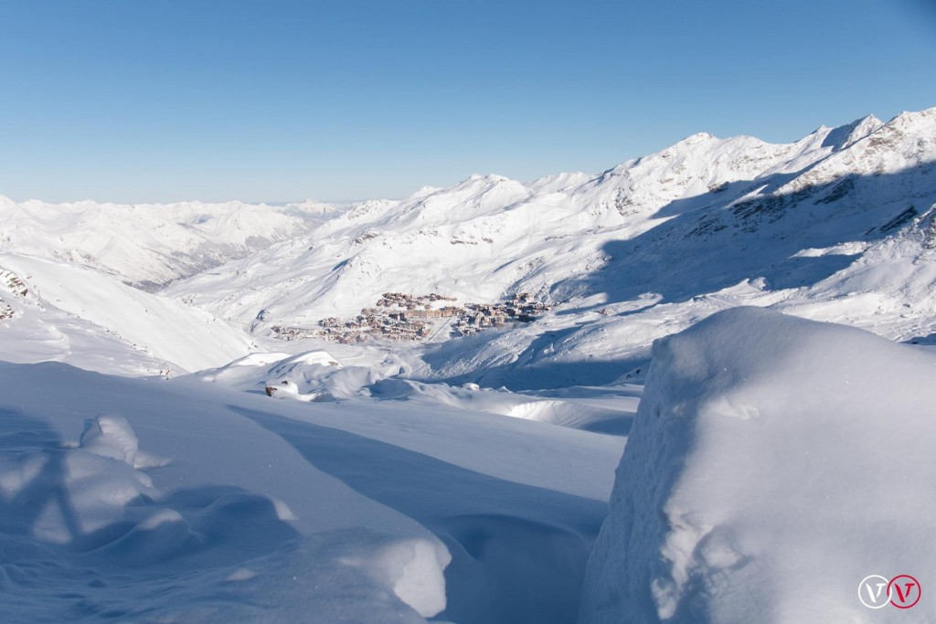 Val Thorens under a heavy blanket of snow this morning