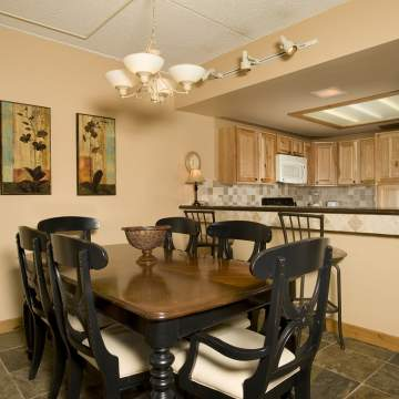 1Bedroom Dining & Kitchen Area