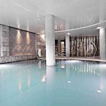 Indoor Pool (Di Oriobis)