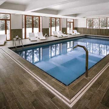 Swimming Pool (Abaca Press)