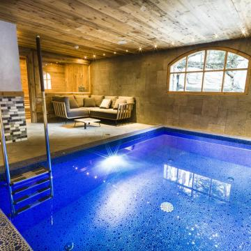 Chalet Sequoia Spa & Pool