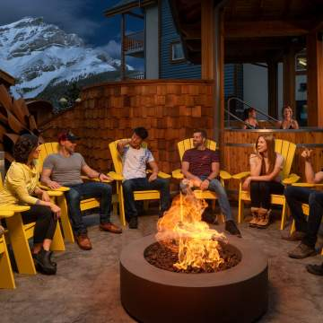 Outdoor Fire Pit & Hot Tubs